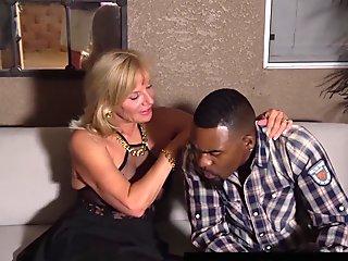 Hot Grandma Presley St Claire Fucks Rome Major'_s Black Cock