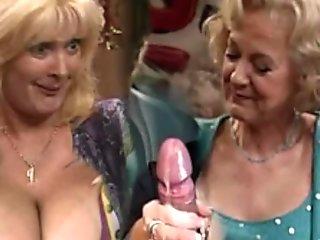 GRANNY SEX SHOW 4